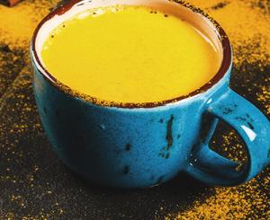 Goldene Milch